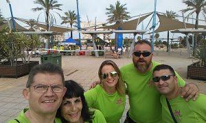 Algunas de las familias que componen Autismo Melilla, participaron como voluntarios en la Color Run Festival